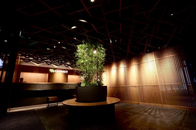 スタイリッシュな内装と最先端の設備を有したカプセルホテル『GLANSIT KYOTO KAWARAMACHI』グランドオープン!