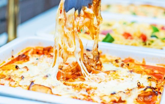 チーズラバーも興奮!冬の鉄板グルメ「チーズ料理」が食べ放題『濃厚&ヘルシー!チーズ料理フェア』開催<銀座バグースプレイス>